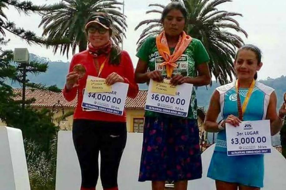 Indígena ganadora de ultramaratón en México.