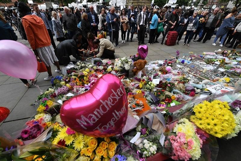 Homenaje a víctimas de Manchester