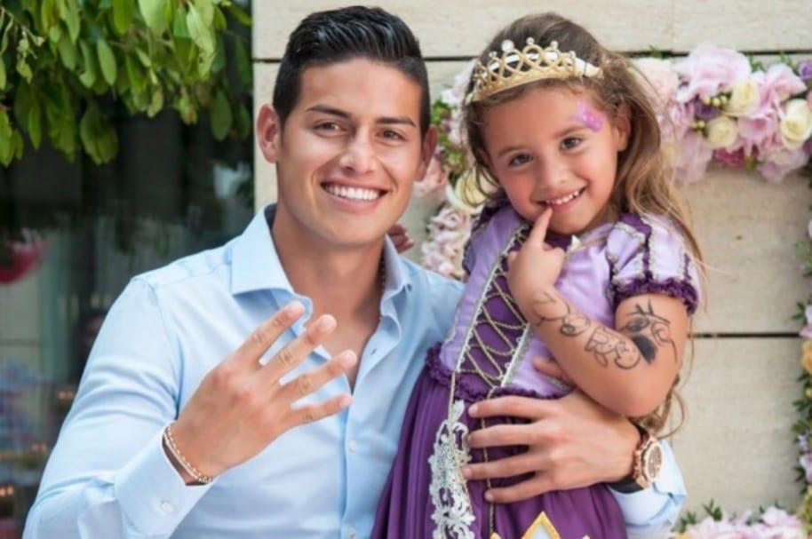 James Rodríguez y su hija, Salomé.