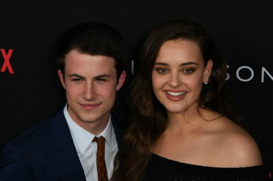 Dylan Minnette y Katherine Langford. Pulzo.com