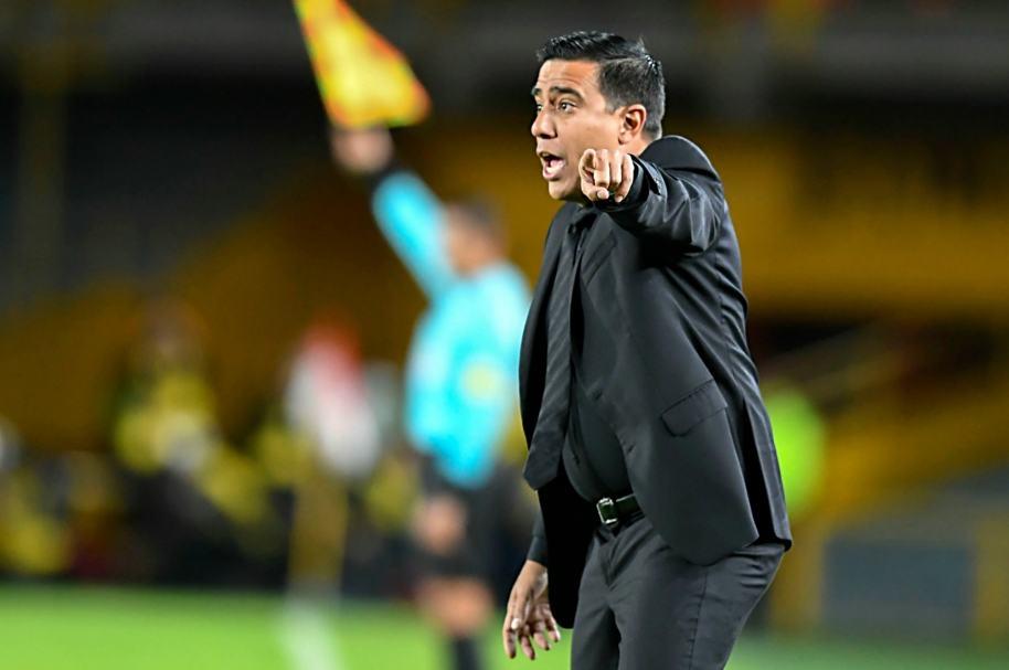 César Farías, técnico venezolano