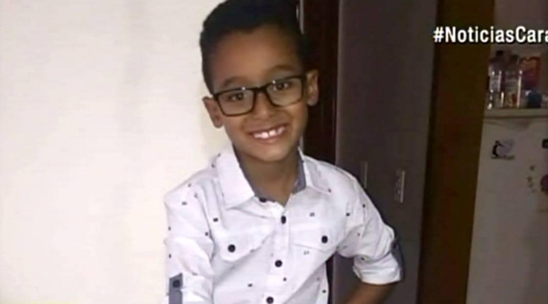 Santiago Díaz, de 8 años, fue inducido a coma.