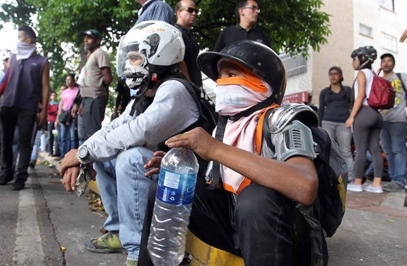 AL MENOS 89 HERIDOS TRAS PROTESTA OPOSITORA EN CARACAS