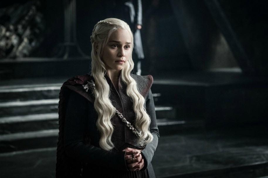 Emilia Clarke como Daenerys Targaryen. Pulzo.com