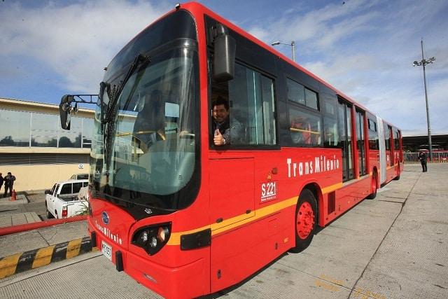 Este es el primer bus articulado 100 % eléctrico