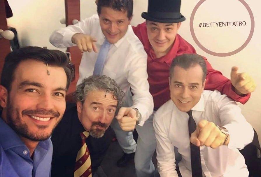 Luciano D'Alessandro, Alberto León, Julio César Herrera, Julián Arango y Jorge Enrique Abello, actores de 'Betty la fea'.
