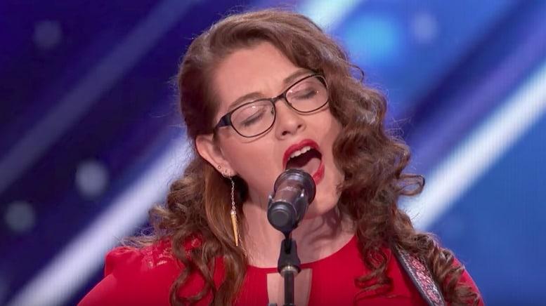 Joven sorda durante su presentación en 'America's Got Talent'. Pulzo.com