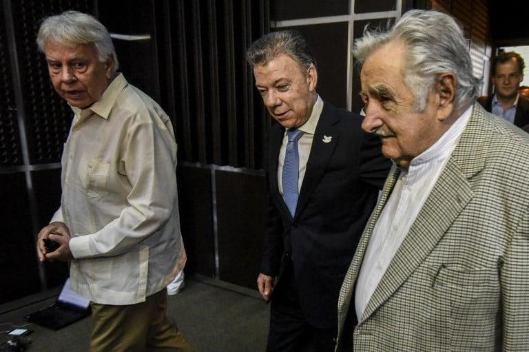 Santos, Mujica y González