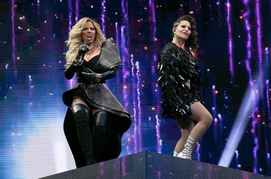 Gloria Trevi y Alejandra Guzmán, cantantes.