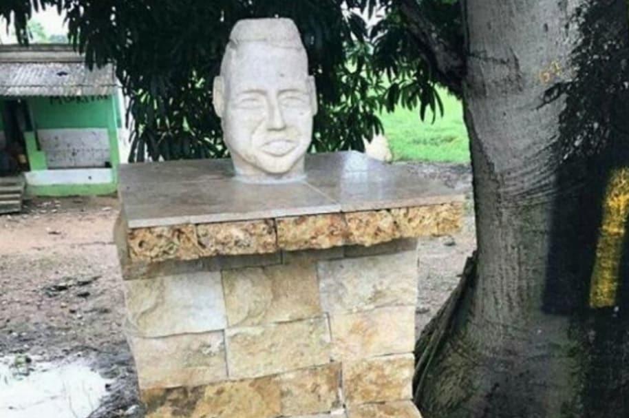 Escultura de Martín Elías en San Onofre (Sucre).