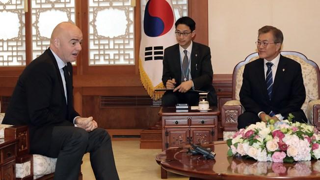 Presidente Coreal del Sur y Presidente Fifa