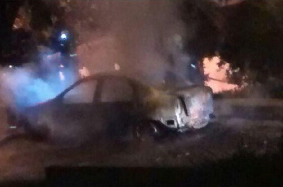 Carro quemado de Uber