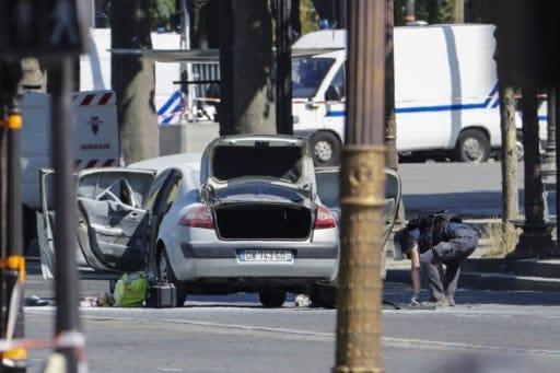 Ataque vehículo en Campos Elíseos