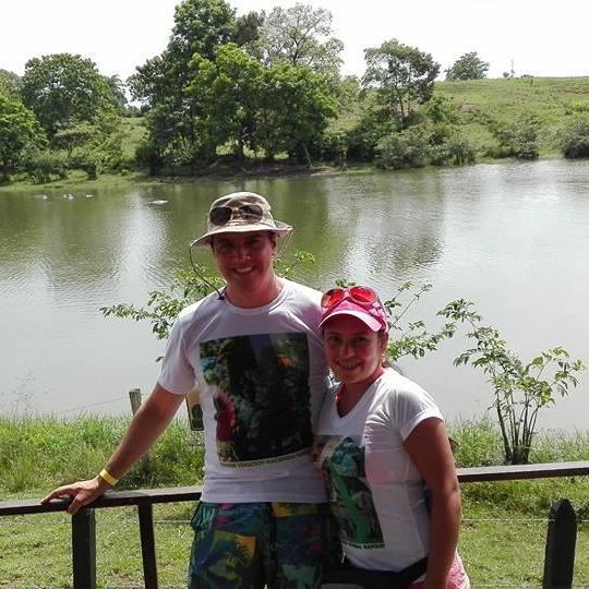Lady Paola Jaime Ovalle y su esposo