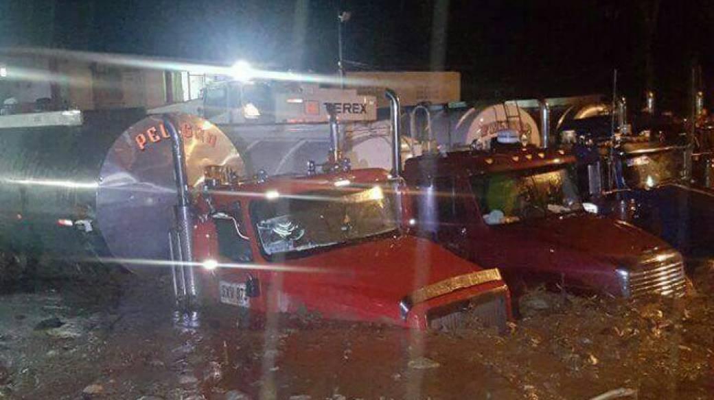Camiones averiados en la Vía a Villavicencio
