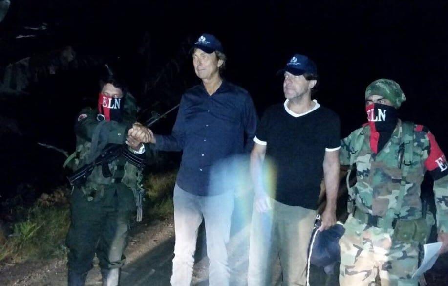 El periodista Derk Johannes Bolt y su camarógrafo  Eugenio Ernest Marie Follender, secuestrados por el Eln.