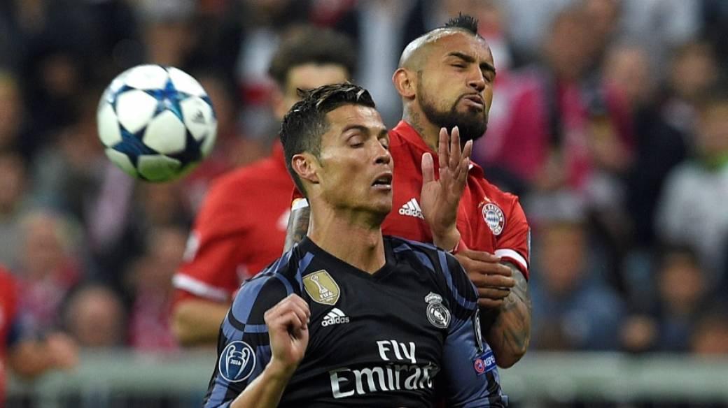 Cristiano Ronaldo y Arturo Vidal