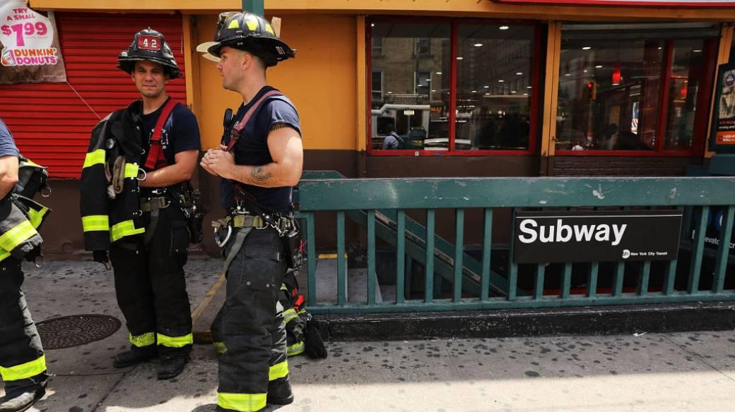 Bomberos de Nueva York atienden la emergencia
