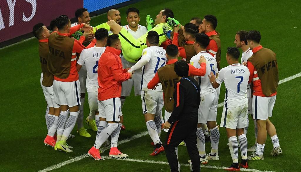 Claudio Bravo llevó a Chile a la final de la Copa Confederaciones