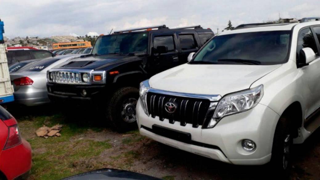 Carros robados en Colombia y vendidos en Ecuador.