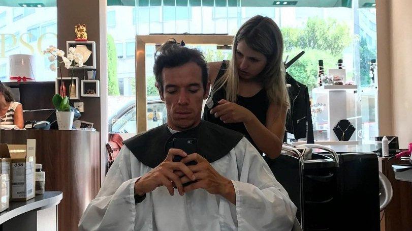 Urán en la peluquería