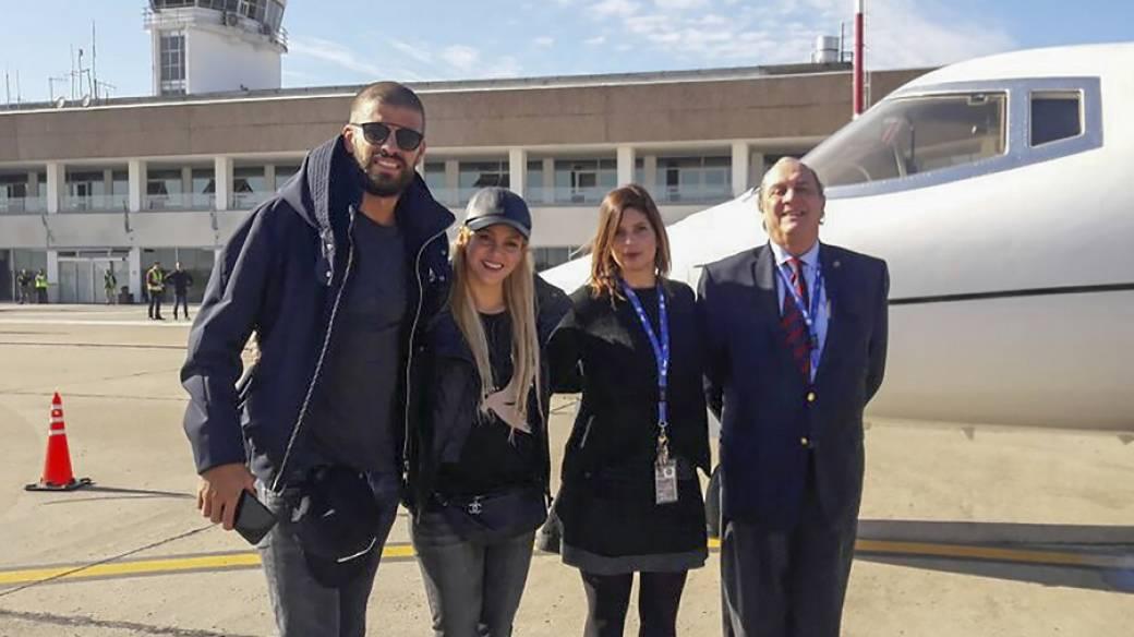 Gerard Piqué, futbolista del Barcelona, y su pareja, la cantante Shakira.