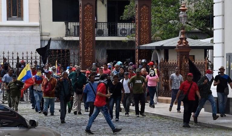 Seguidores de Nicolás Maduro en el parlamento