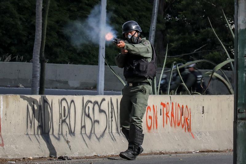 Policía dispara en Caracas