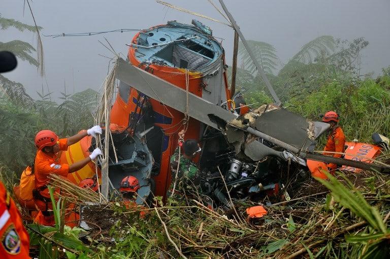 Accidente de helicóptero en Indonesia. Pulzo.com