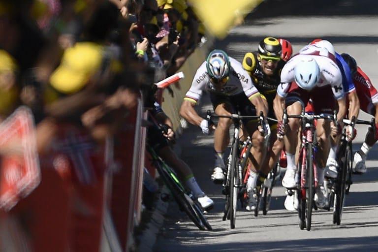 El codazo de Sagan a Cavendish en el Tour de Francia. Pulzo.com