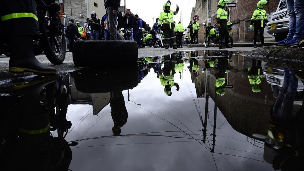 Motociclistas, policía Bogota, moto