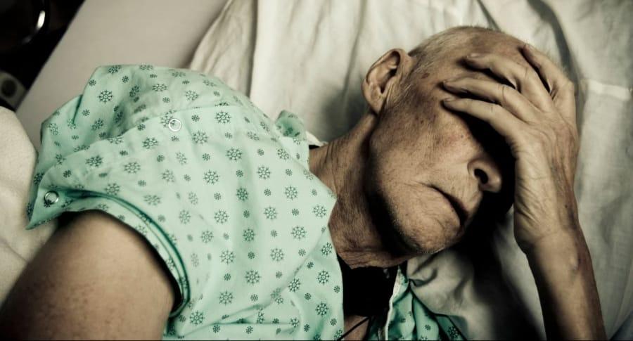 Anciano hospitalizado. Pulzo.com