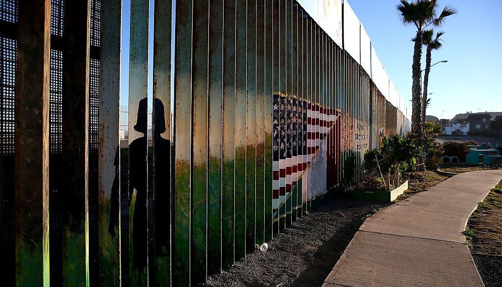 Muro en la frontera de México y EE. UU.