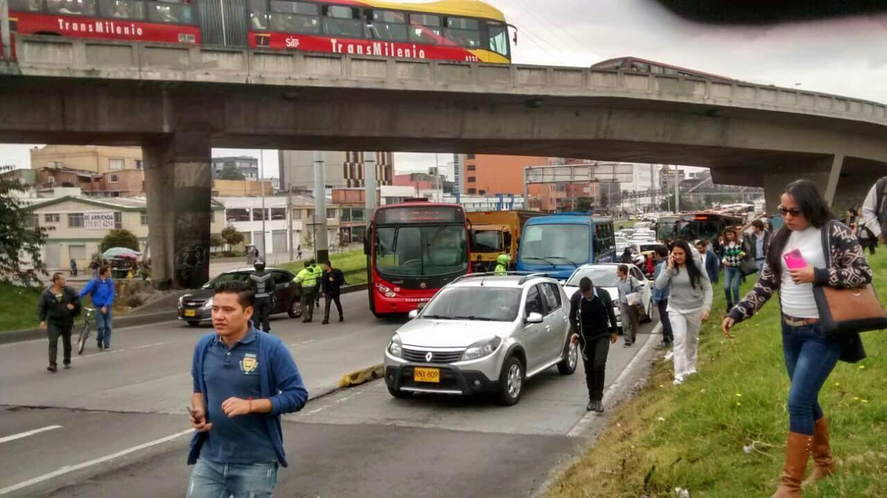 Accidente en calzada de Transmilenio en el norte de Bogotá