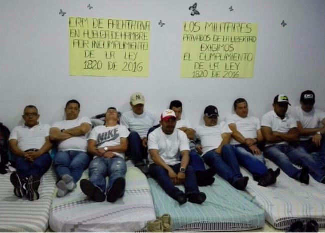 Militares en huelga de hambre