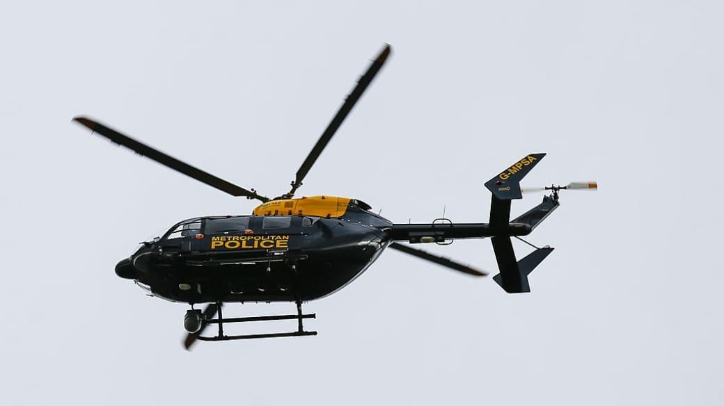 Helicóptero de la policía del Reino Unido