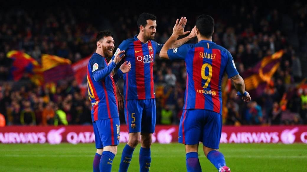 Messi, Suárez y Busquets arruinan selfi en Nueva York