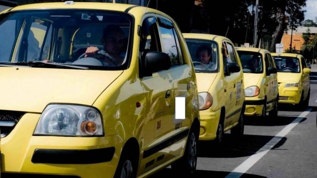 Taxistas anuncian paro en Bogotá