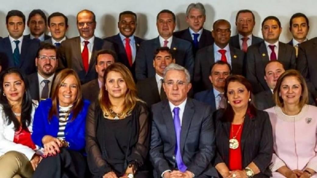 Álvaro Uribe y bancada del Centro Democrático