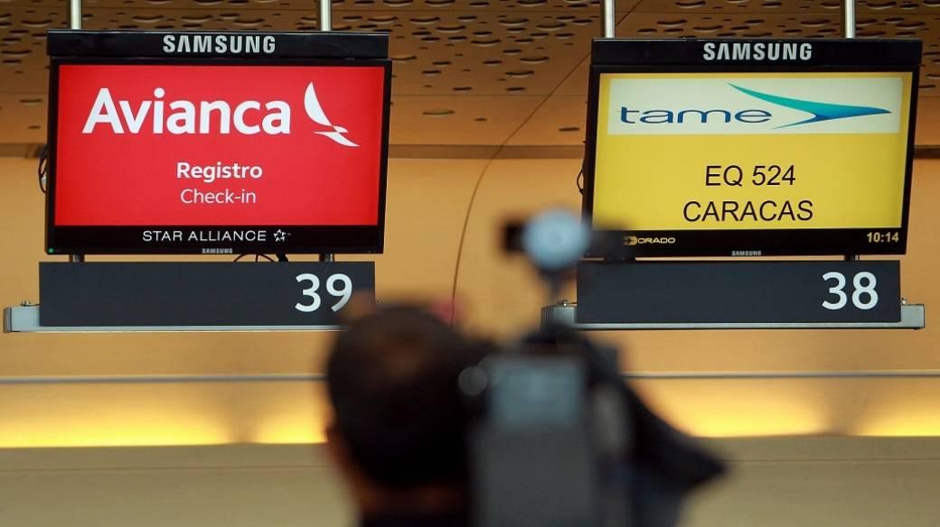 Avianca adelanta a hoy la suspensión de sus vuelos a Venezuela