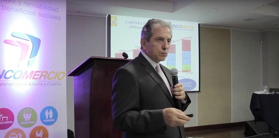 Arturo Vega, gerente de Fincomercio