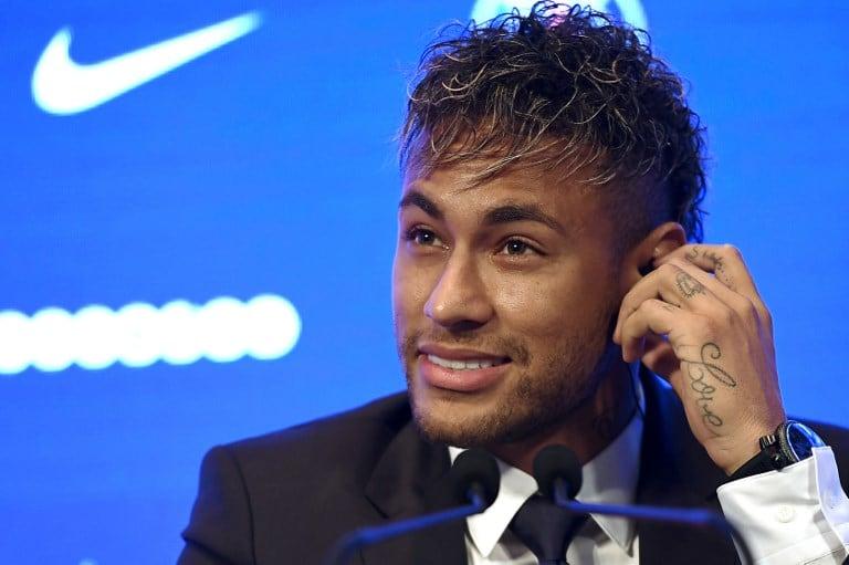 Neymar en rueda de prensa del PSG. Pulzo.