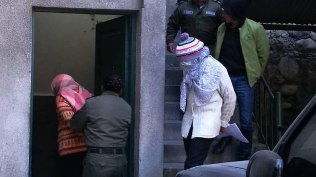 Mujer velada viva en Bolivia