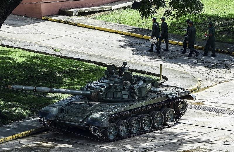 Soldados que llegaron a contener el asalto al fuerte militar
