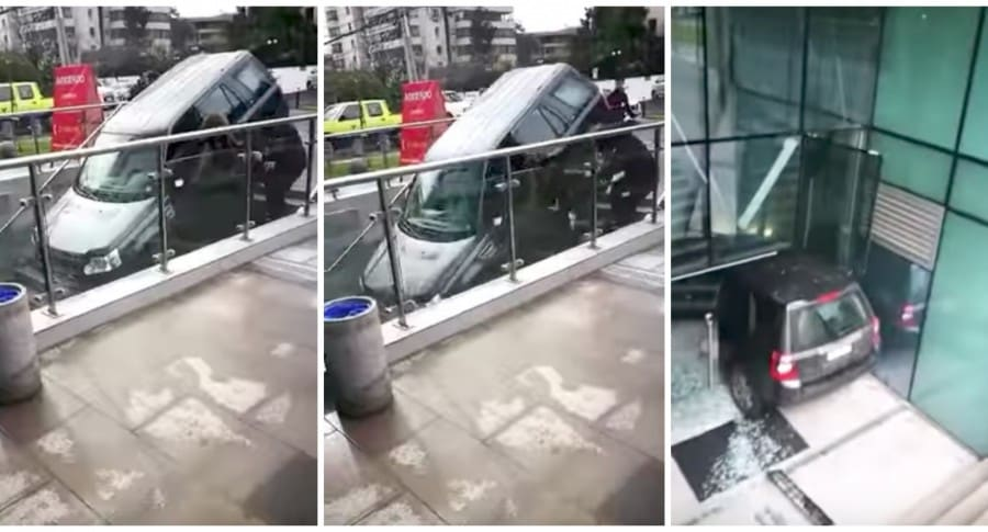 Accidente de conductora que confundió escaleras de edificio con entrada a parqueadero. Pulzo.