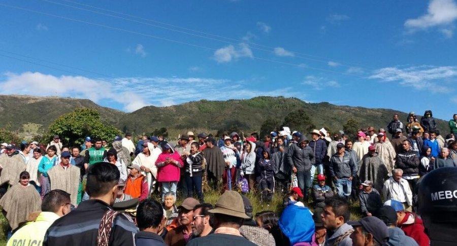 Protesta frente al relleno sanitario Doña Juana