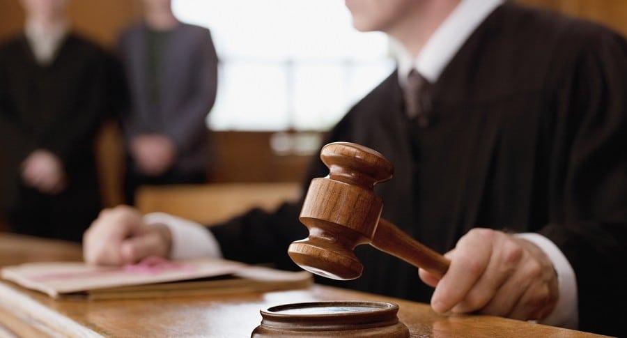 Juez en una Corte