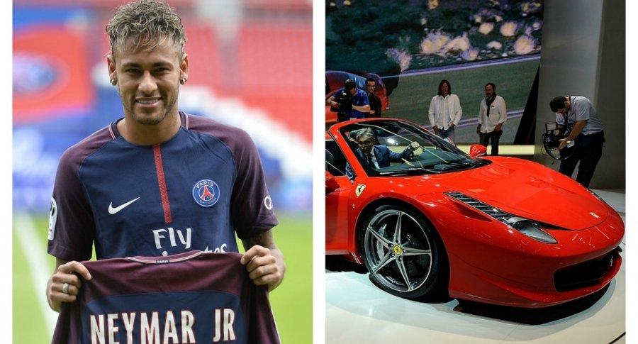 Neymar y un Ferrari. Pulzo.