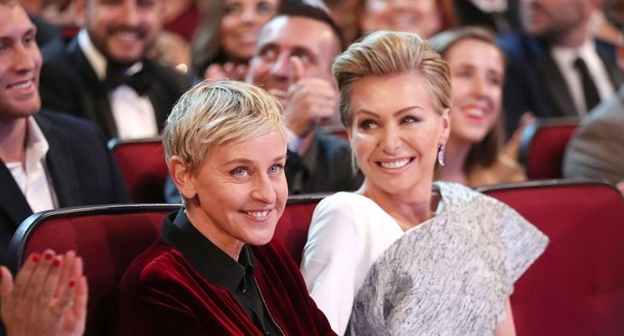 Ellen DeGeneres (L) y Portia de Rossi