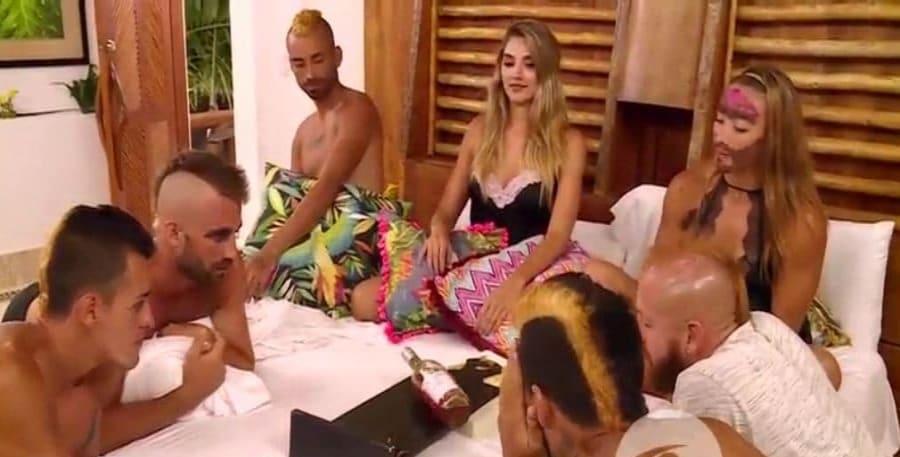 Héctor, Daniel, Óscar, Camila, 'Lucho' y Mateo, participantes del 'Desafío Súper Humanos', y Melina Ramírez, segunda presentadora del reality.